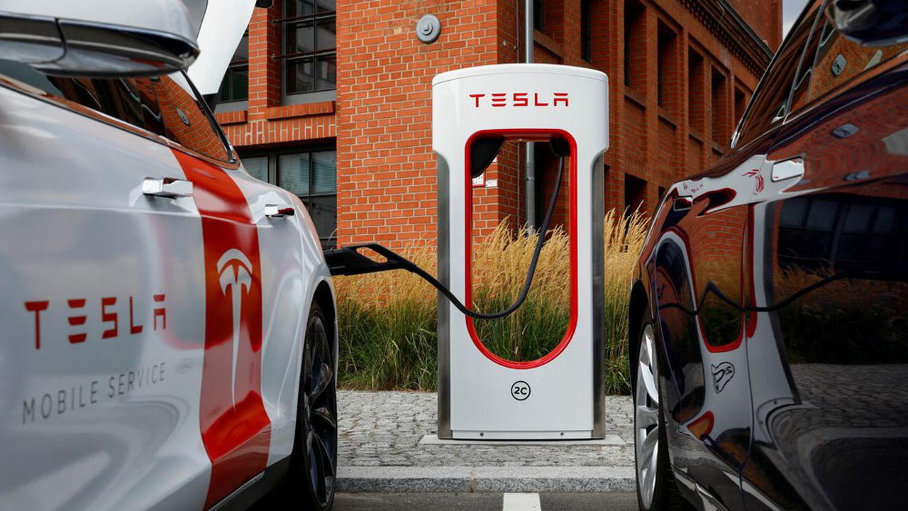 Valeur fétiche des investisseurs, Tesla a fortement corrigé et ne progresse plus «que» de 345% depuis le début de l'année.