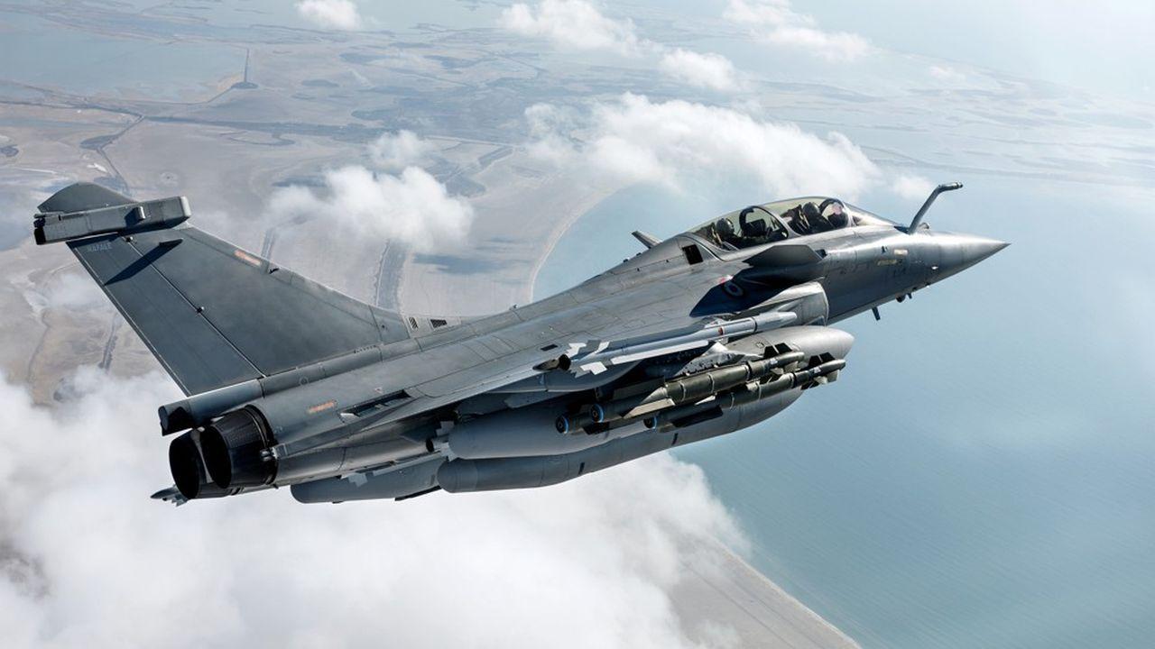 Kyriákos Mitsotákis a également annoncé la commande de quatre nouvelles frégates, la modernisation de quatre autres et le recrutement de 15.000 militaires.