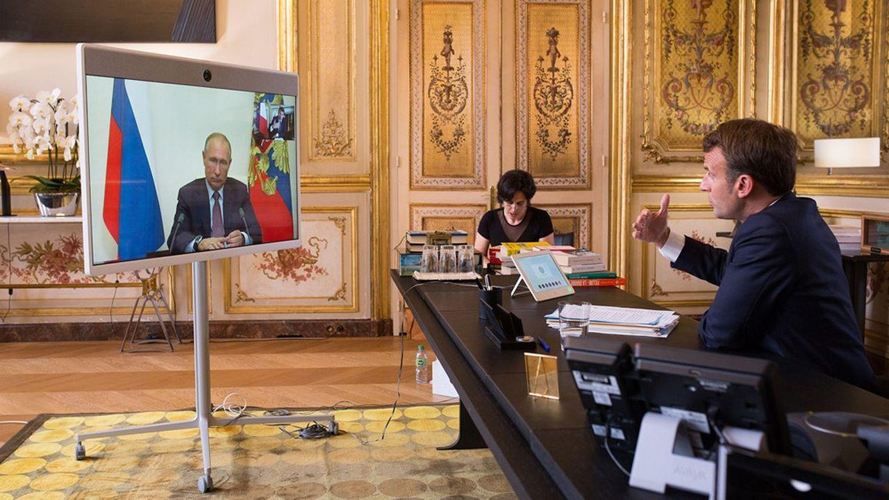 L'été dernier, le président français Emmanuel Macron et le président russe Vladimir Poutine étaient soucieux de renouer le dialogue.