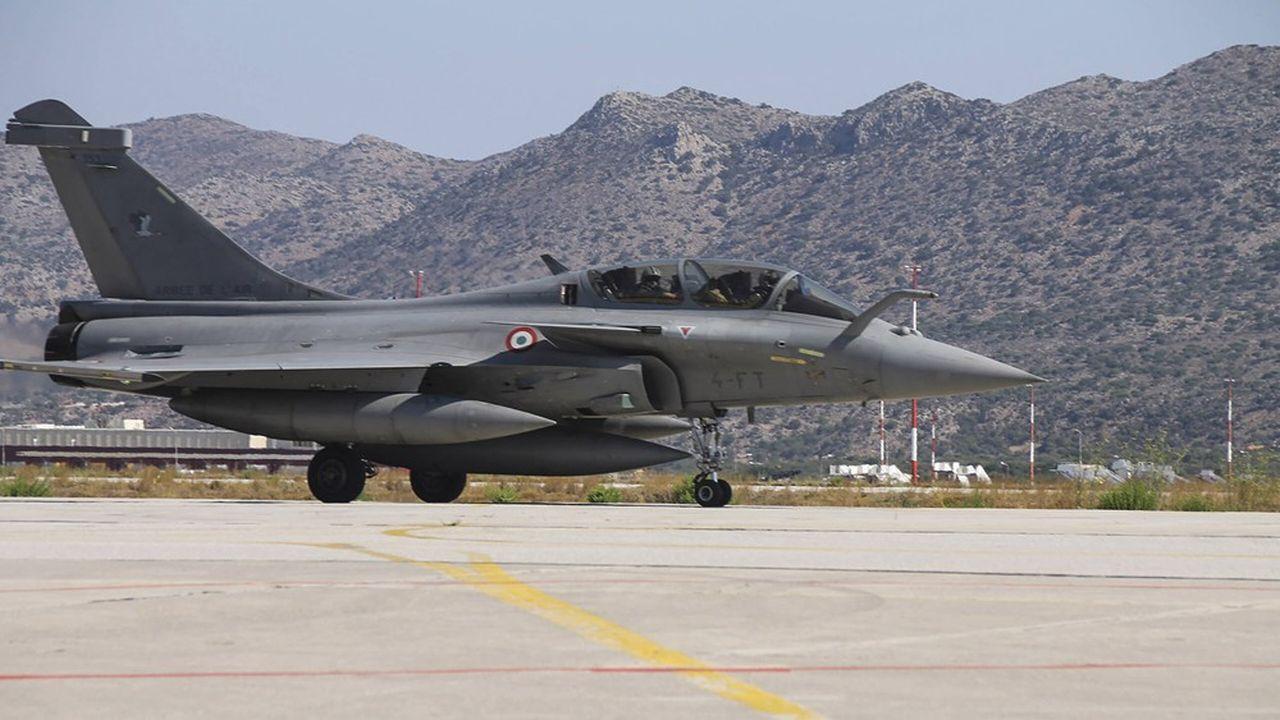 L'Armée de l'air hellénique veut se constituer une escadrille de 18 avions Rafale. Elle opère déjà une petite quarantaine de Mirage-2000 de Dassault Aviation.