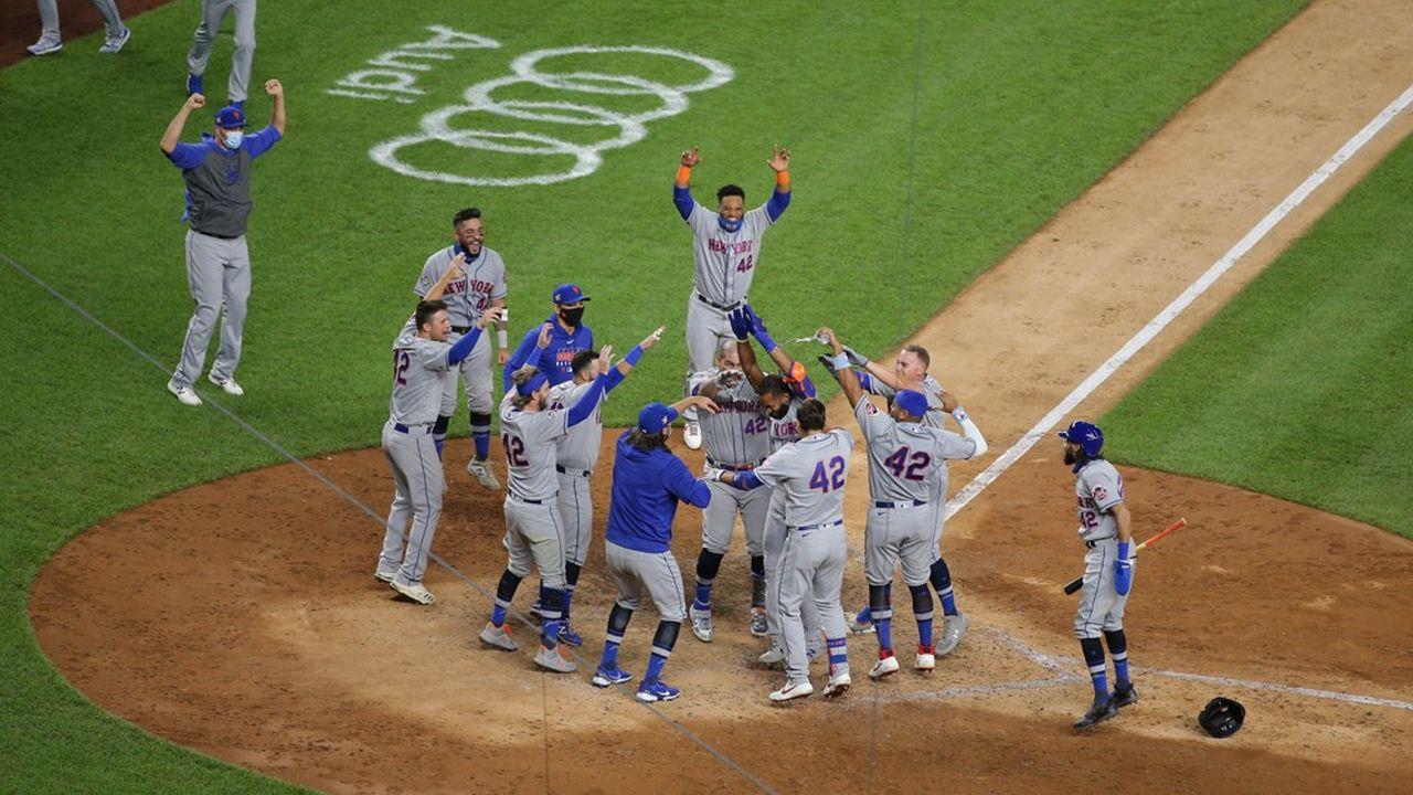 L'équipe de baseball des New York Mets a été rachetée par le gérant de hedge fund, Steven Cohen, qui dame le pion à Jennifer Lopez et son fiancé