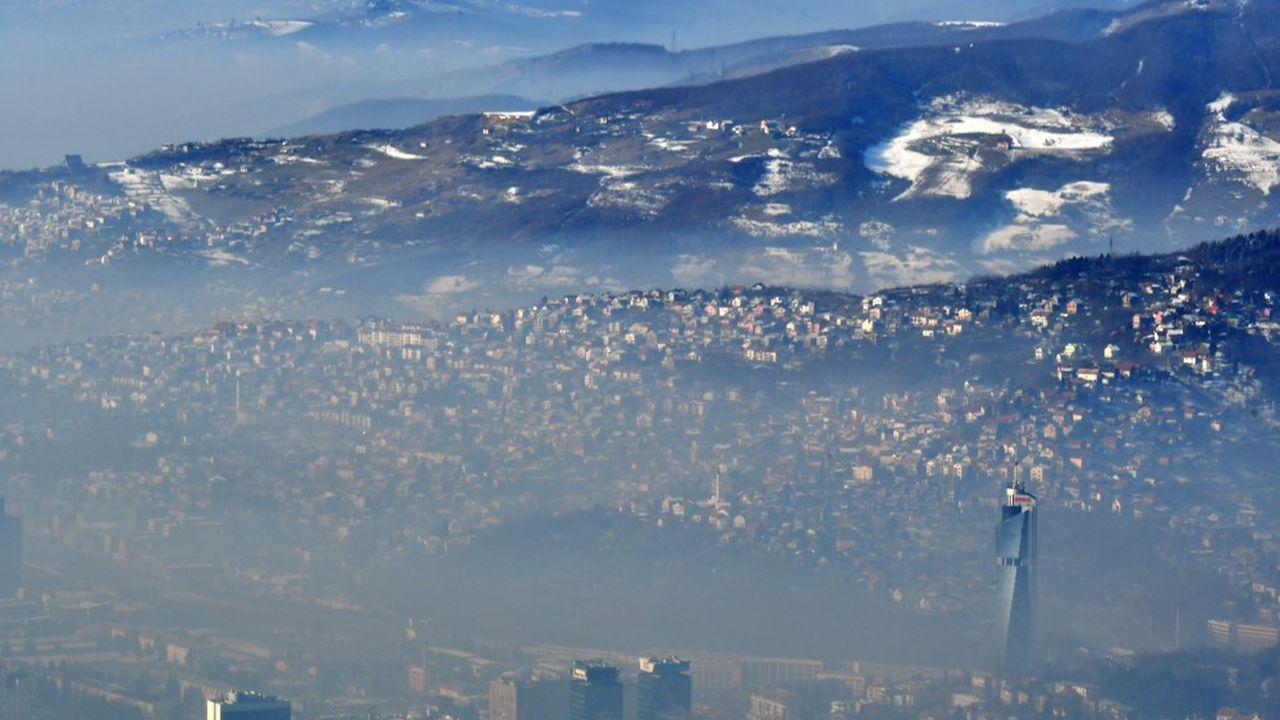 La Commission européenne presse les Etats membres de renforcer les objectifs de réduction des émissions de gaz à effet de serre d'ici 2030.