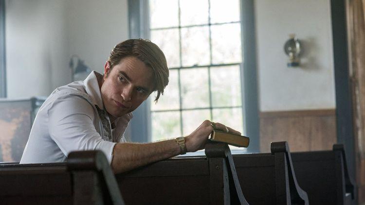 Robert Pattinson, effrayant en prêtre prédateur.