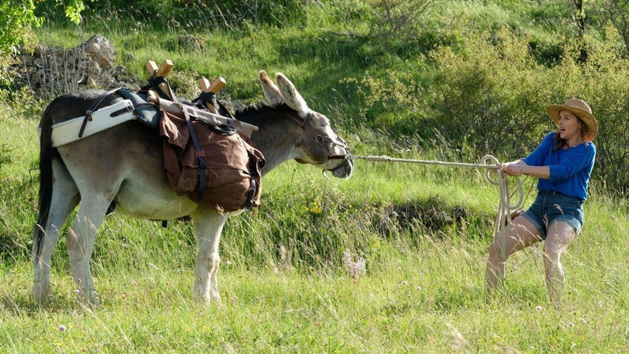 Sans les confidences d'Antoinette (Laure Calamy), l'âne Patrick se refuse à avancer d'un pas.