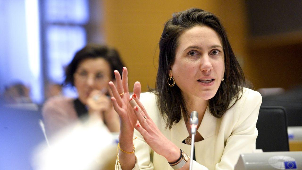Valérie Hayer appartient au groupe centriste Renew au Parlement européen