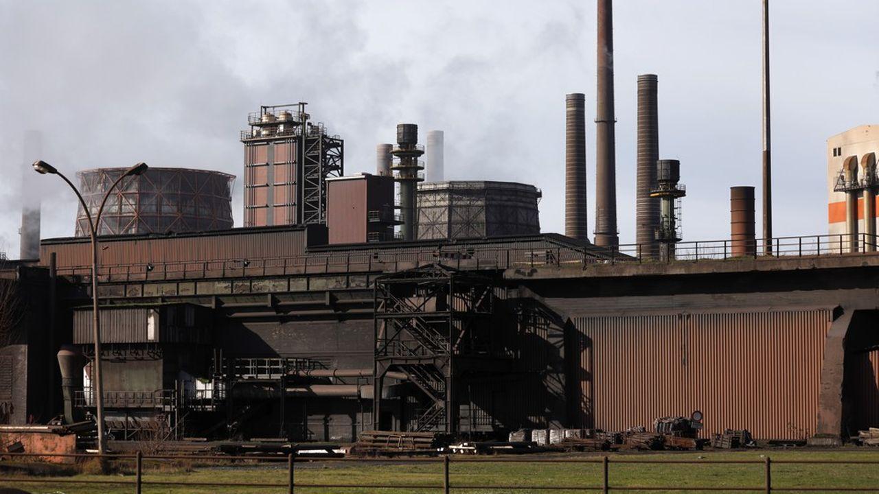 Le recours à des matériaux moins gourmands en énergie et facilement recyclables pourrait toutefois permettre de réduire de 40% les émissions globales de l'industrie lourde, selon le think tank Energy Transition Commission.