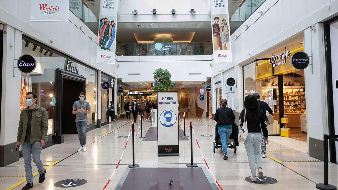 Westfield «Les 4 Temps», les centres commerciaux de nouveau autorisés à ouvrir leurs portes avec les mesures sanitaires imposées par la crise sanitaire Covid-19.
