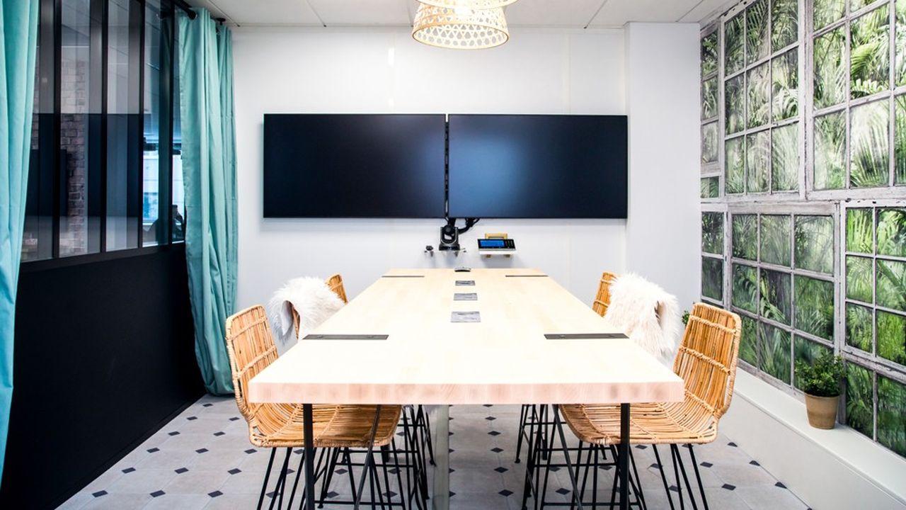 Désormais, le collaborateur-acteur a la main pour réserver, à distance, une salle de réunion ou une table de bureau à l'emplacement de son choix.
