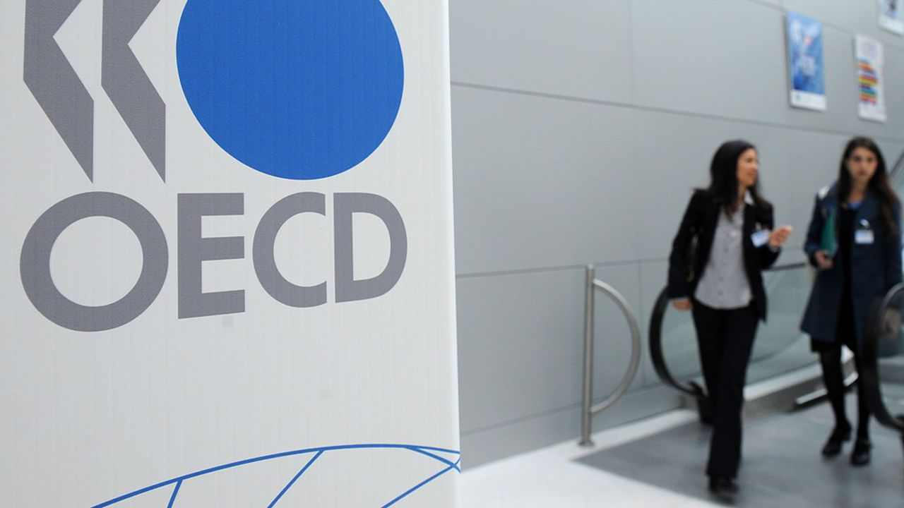 Pour l'OCDE, le PIB de la France devrait reculer de 9,5% cette année avant de rebondir de 5,8% en 2021.