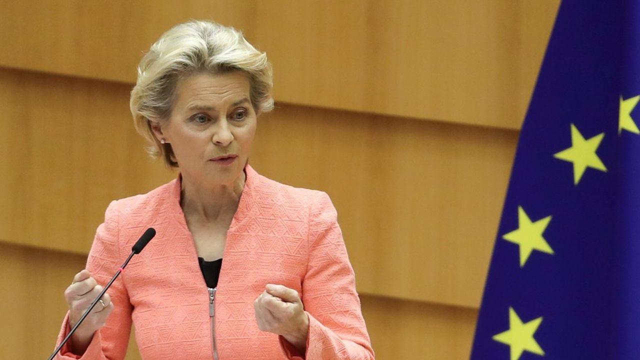 La présidente de la Commission européenne a affirmé lors de son discours que les violations de l'Etat de droit et des valeurs européennes ne pourront être tolérées. Elle a notamment taclé la Pologne en martelant que les zones «libres de toute idéologie LGBT +» sont des «zones sans humanité qui n'ont rien à faire dans notre Union.