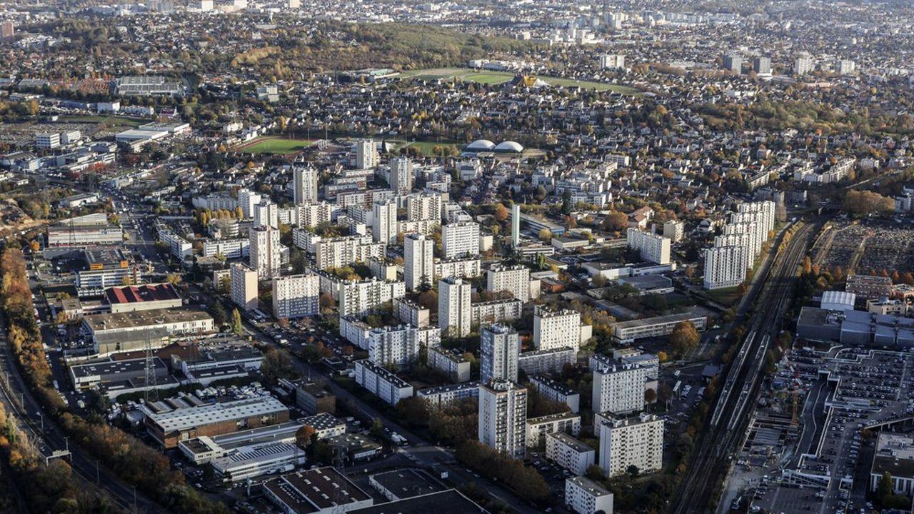 « Il n'y a rien de particulier pour nos villes et quartiers populaires. C'est un rendez-vous manqué », tranche Gilles Leproust, maire PCF d'Allonnes et secrétaire général de Ville & Banlieue.