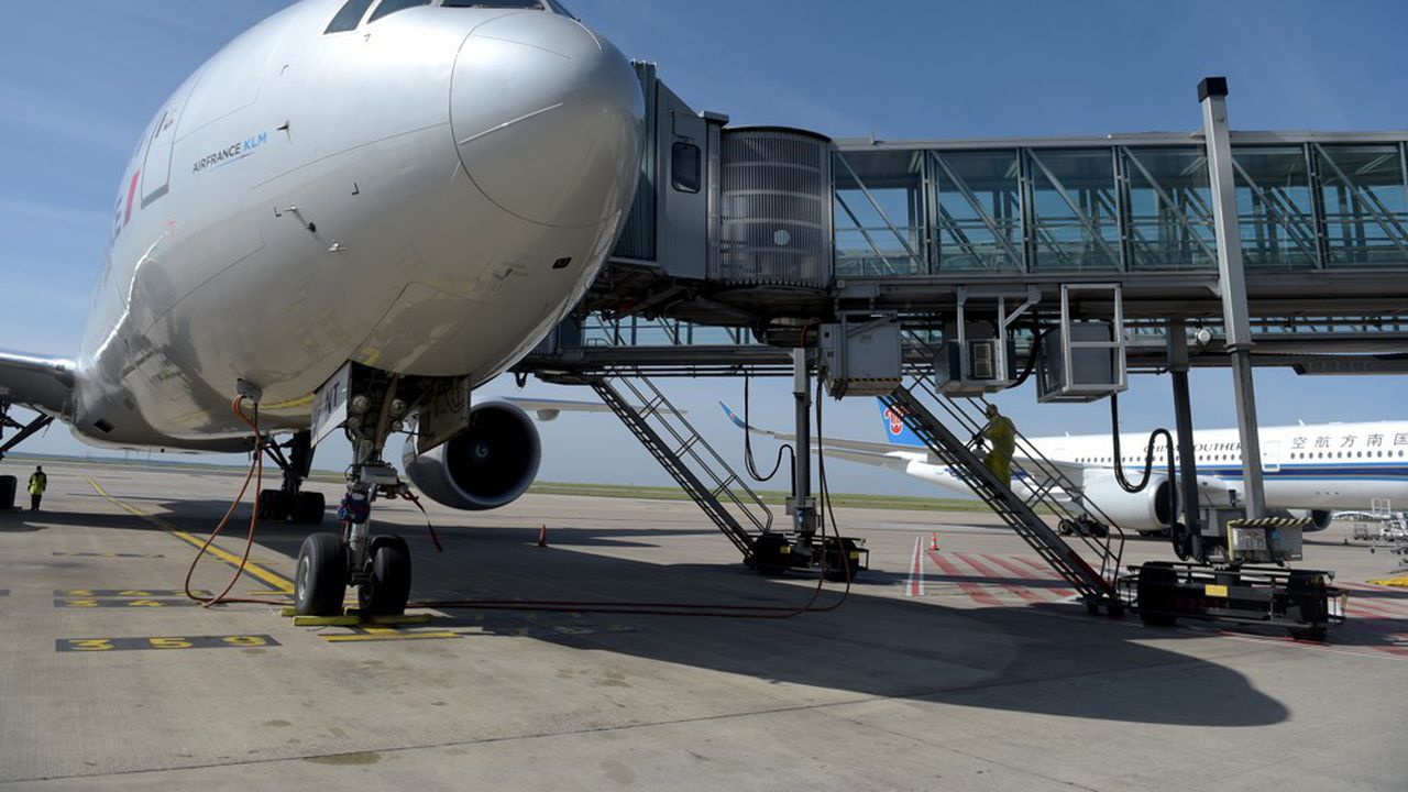 Le transport aérien en France représente 4% du PIB et 1,14million d'emplois directs et indirects.