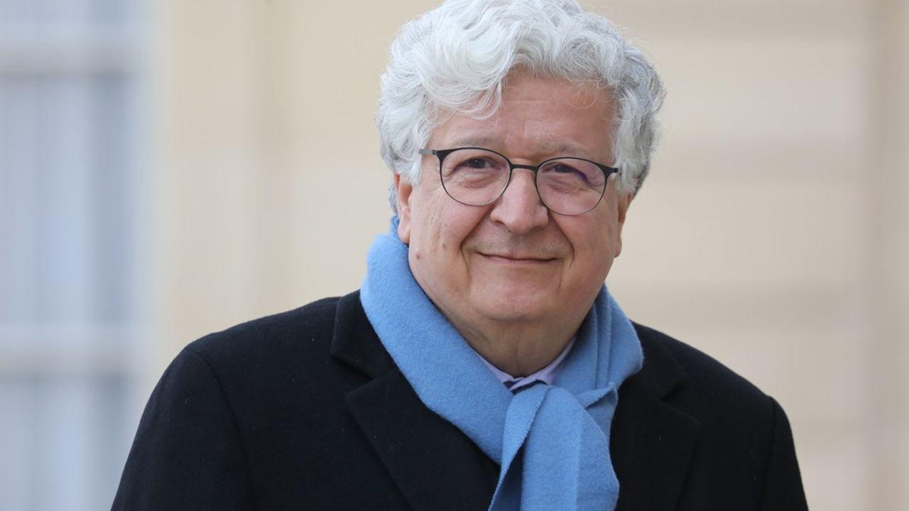 L'économiste français Elie Cohen, le 18 mars 2019, dans la cour du palais de l'Elysée.