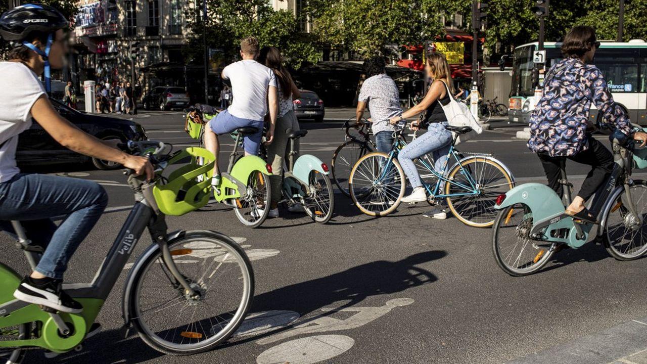 Entre2008 et2019, la part du vélo dans les déplacements quotidiens des Français n'a pas bougé, plafonnant à 2,7%. Mais la crise du coronavirus a commencé à modifier la donne.