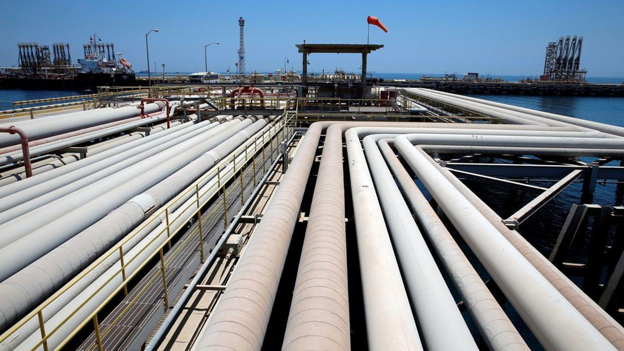 Les pays de l'Opep et leurs alliés menés par la Russie brident leur production à hauteur de 7,7 millions de barils par jour pour soutenir les cours du brut.