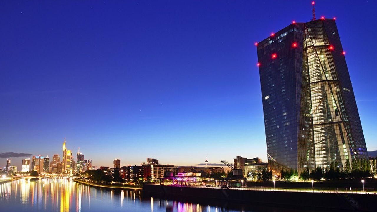 En mars, la BCE avait annoncé un allègement temporaire des exigences de fonds propres représentant 120milliards d'euros.