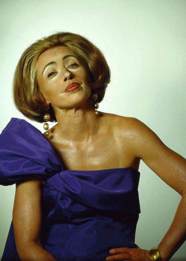 Untitled #400 (« Hollywood/Hampton Types », 2000). L'artiste livre sa vision de la bourgeoisie américaine vieillissante.