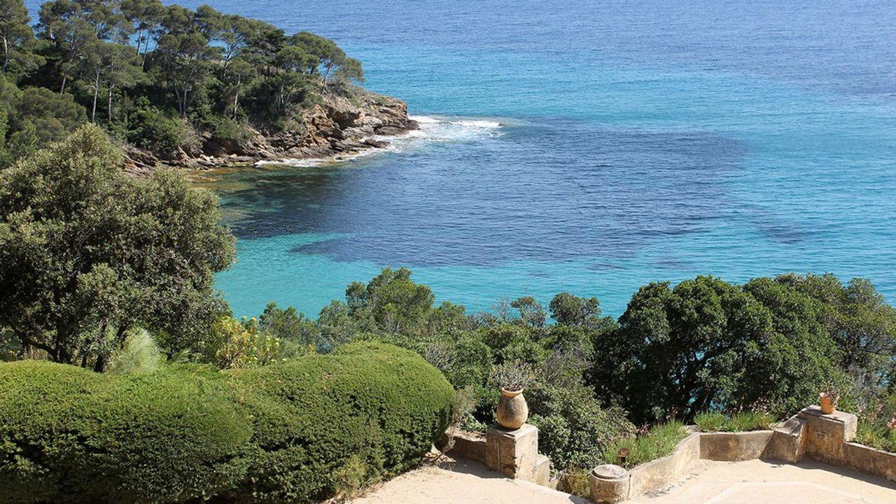 Propriété du Conservatoire du littoral, le Domaine du Rayol déploie les extraordinaires jardins du paysagiste Gilles Clément.