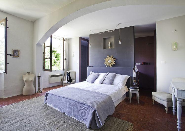 L'Hôtel des Colonnes abrite une boutique et trois chambres en forme de « décor à vivre ».