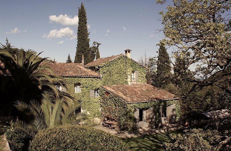 Le Mas du Naoc, demeure provençale du XVIIIe siècle.