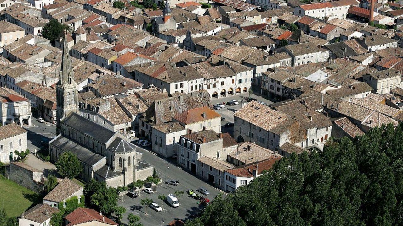 La jolie bastide d'Eymet, dans le sud de la Dordogne, est probablement la plus british des villes françaises avec 400 résidents anglais pour 2.600 habitants.