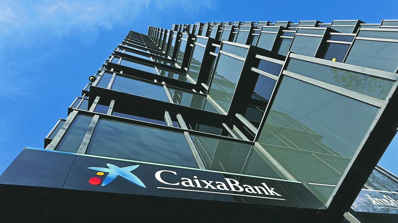 CaixaBank, issue de l'ancienne caisse d'épargne de Catalogne, a réussi à planter ses banderilles sur Bankia.