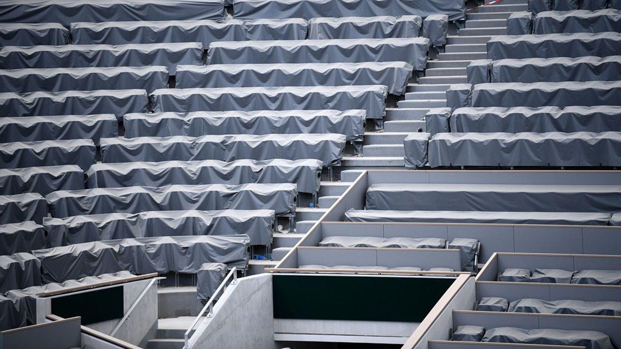 A quatre jours seulement du début des qualifications, Roland-Garros a une nouvelle fois été rattrapé par la réalité du coronavirus.