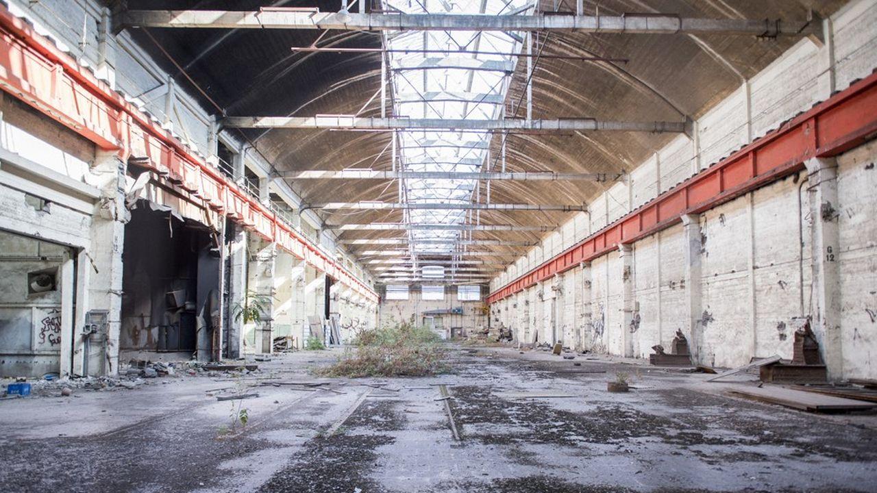 Dans les halles de l'ancienne usine Babcock et Wilcox.