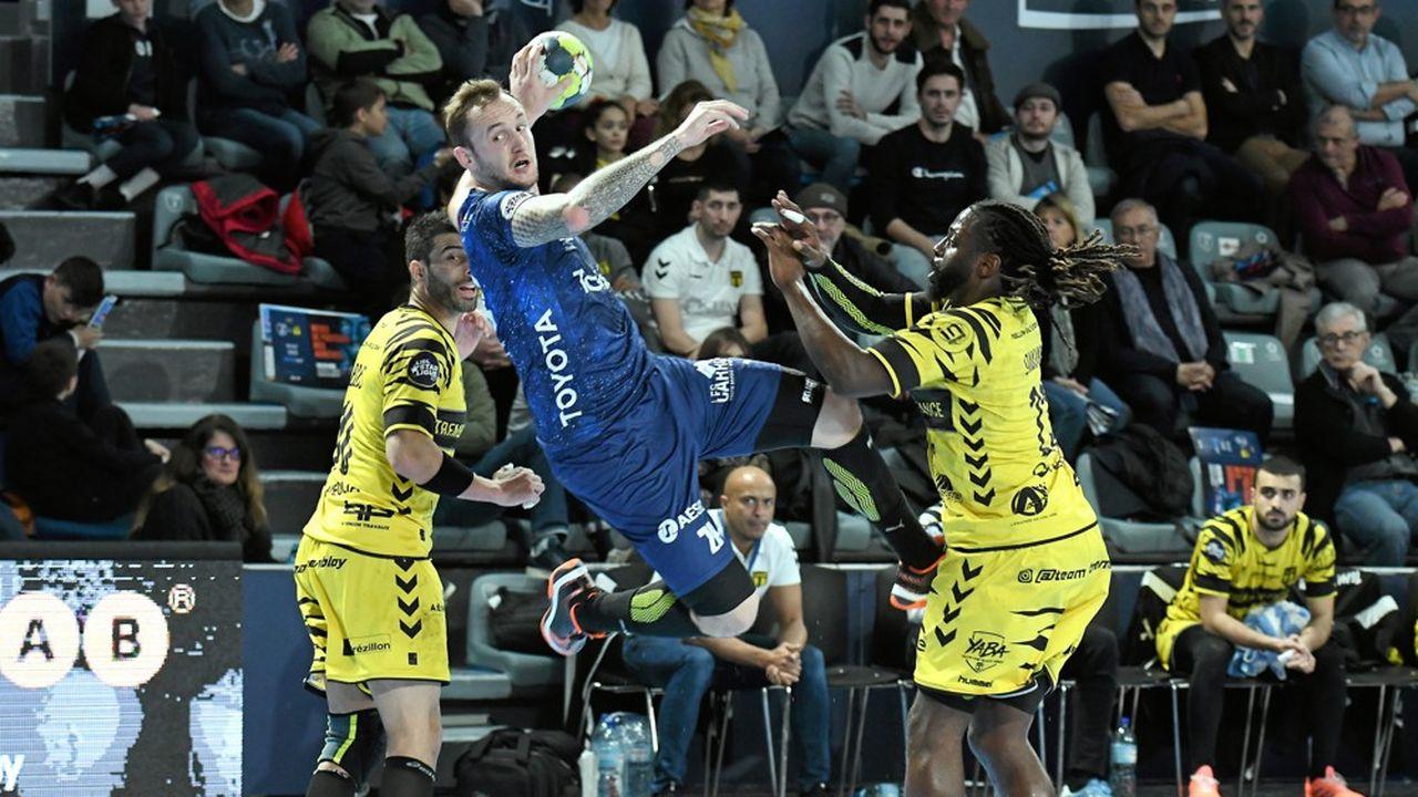 Le Montpellier Handball (MHB) voit la jauge de son enceinte restreinte à 1.450spectateurs et accuse une baisse du sponsoring de 15 à 20%.