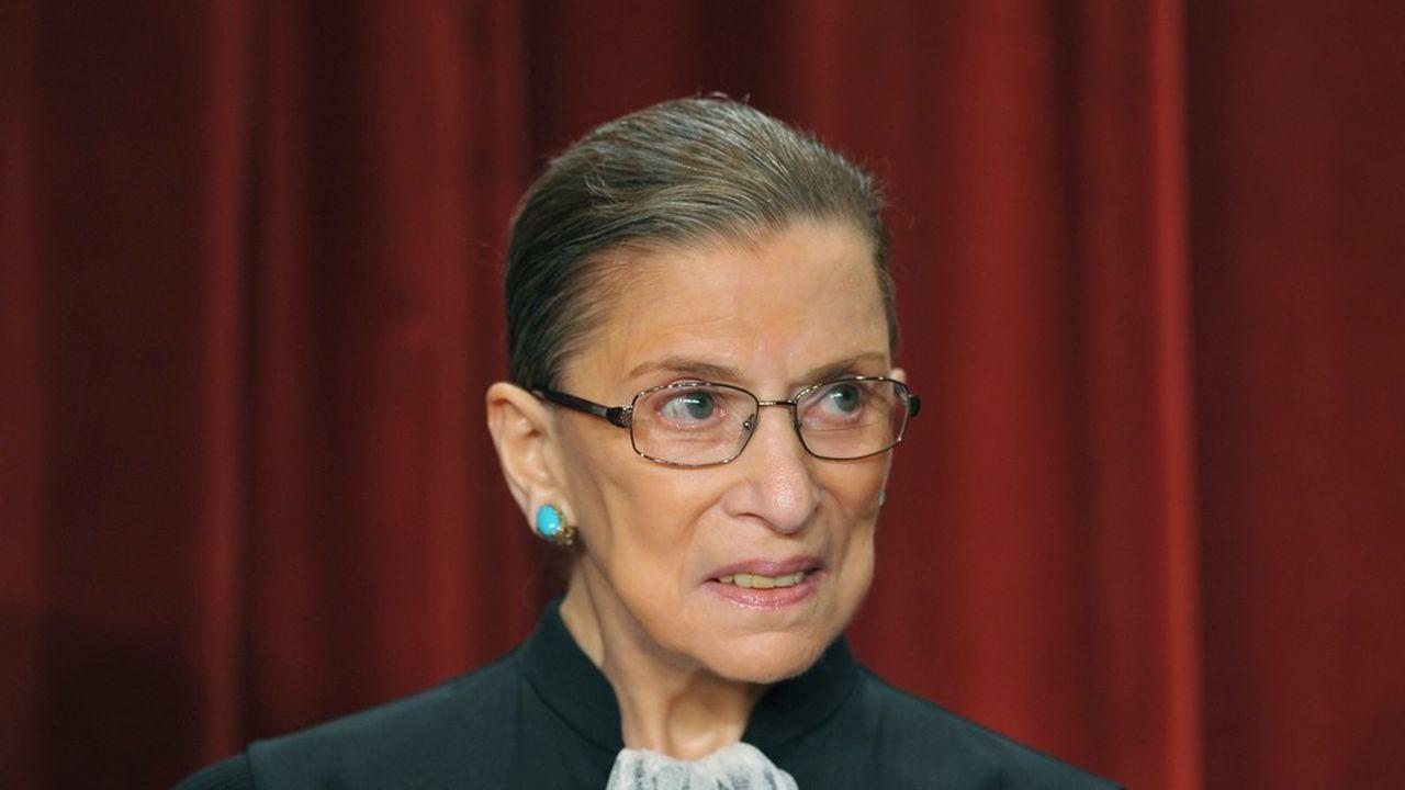 «RBG» a été nommée à la Cour Suprême par Bill Clinton en 1993, devenant la deuxième femme à siéger à la plus haute juridiction américaine.