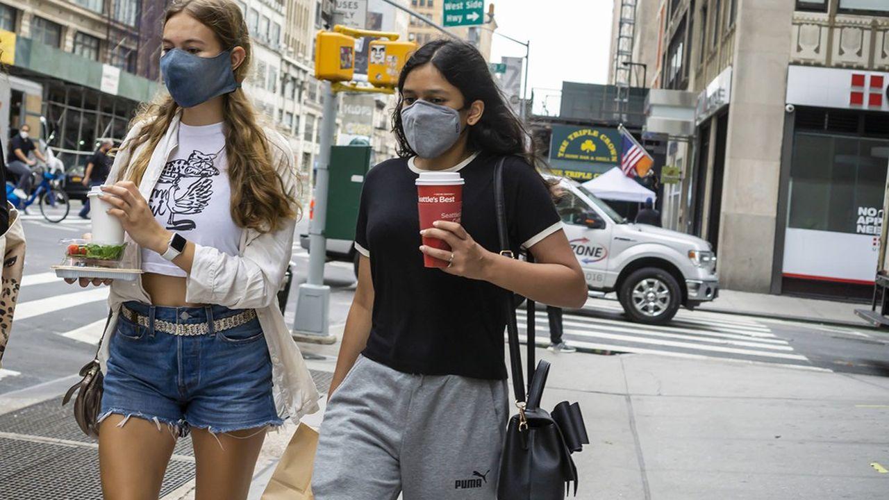 Avec des taux de tests positifs très bas (1% ou moins depuis plus d'un mois), l'Etat de New York fait figure de premier de la classe, après avoir été l'épicentre au printemps.