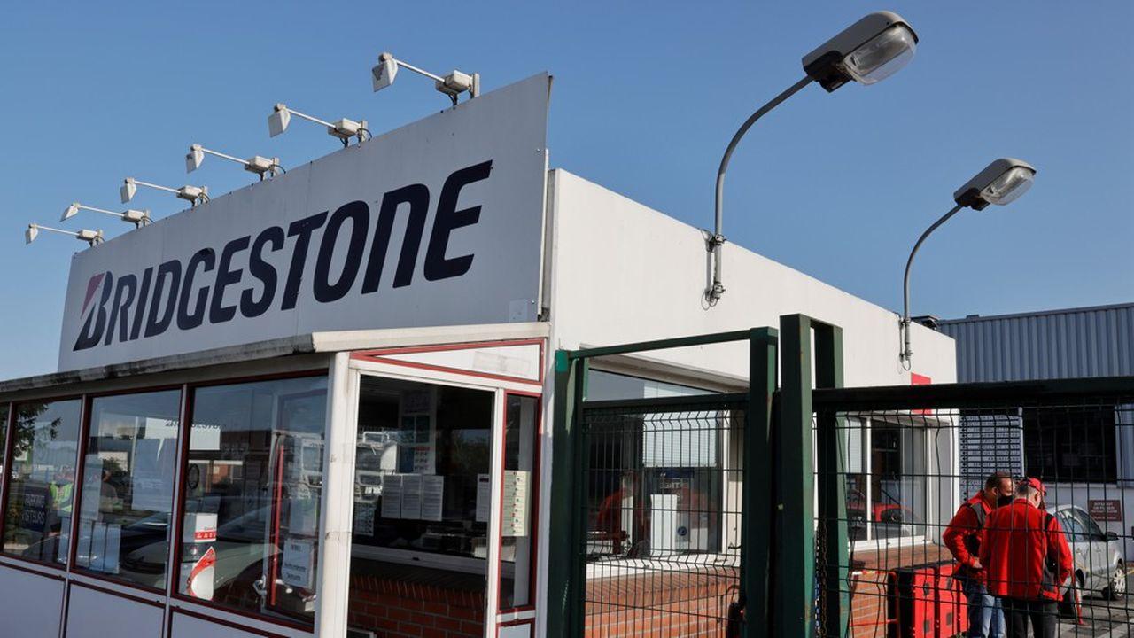 Lundi, le site Bridgestone de Béthune (Pas-de-Calais) accueillera la ministre du Travail, Elisabeth Borne et la ministre déléguée à l'Industrie, Agnès Pannier-Runacher.