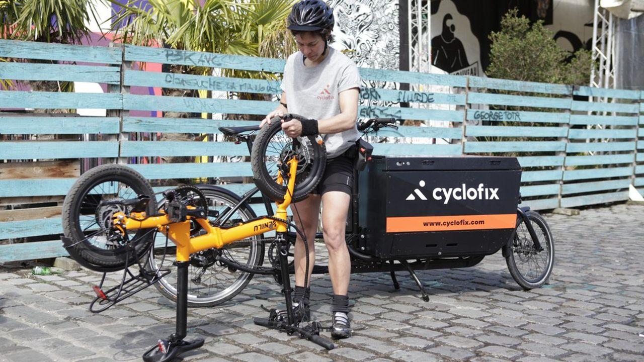 Les réparateurs de vélo de Cyclofix interviennent au domicile de leurs clients.