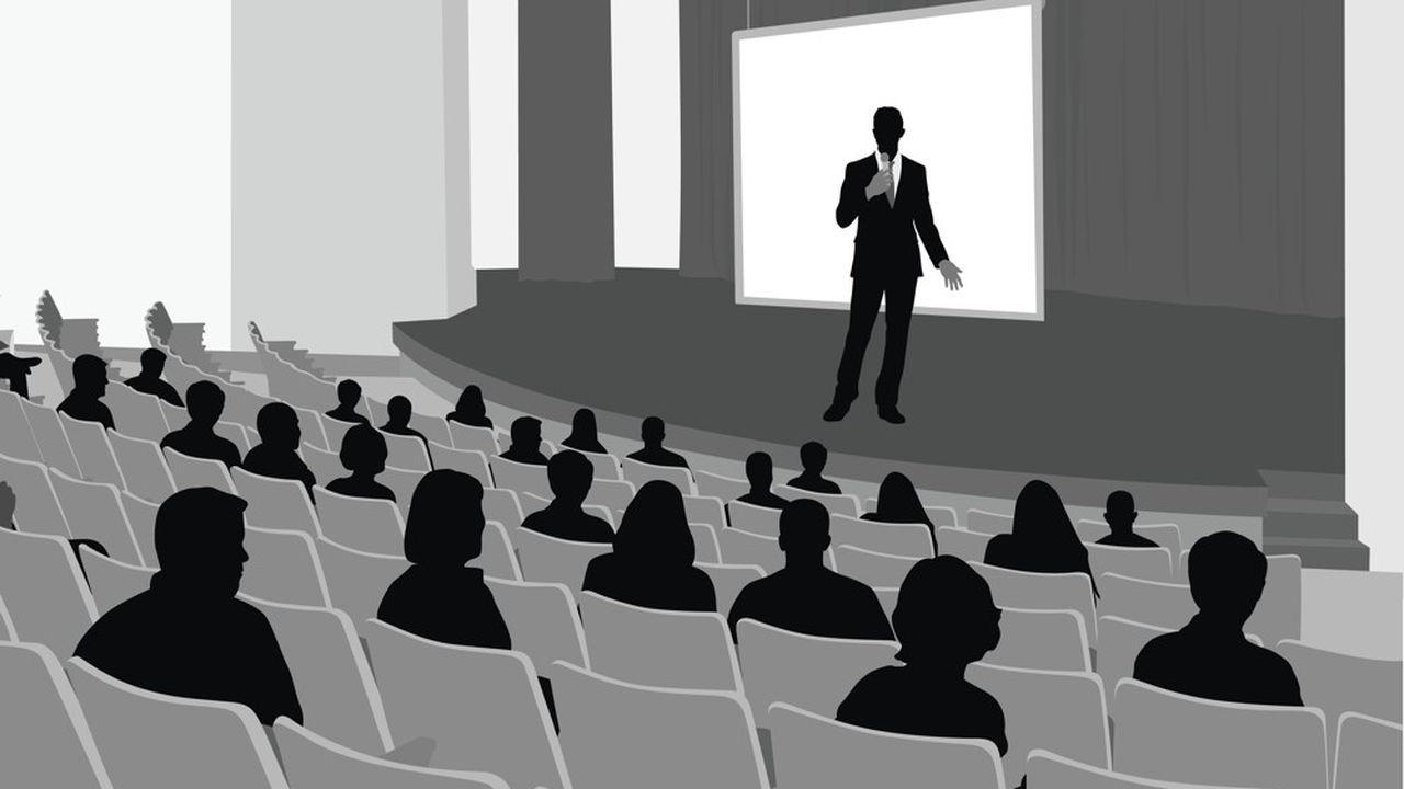 Le Covid-19 a contraint les entreprises à tenir leur réunion annuelle à huis clos, avec, dans les meilleurs des cas, retranscription vidéo d'une séance confinée, en direct du siège social.