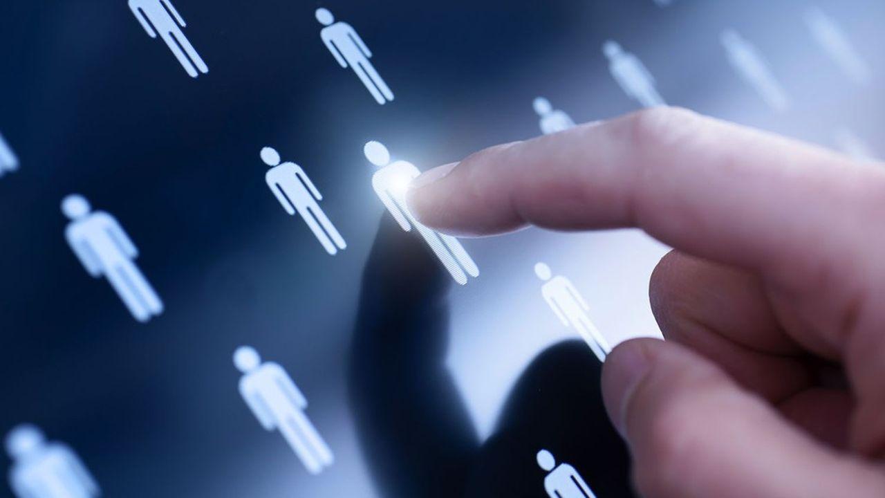 Il s'agit d'accélérer l'alternance et l'apprentissage dans les métiers numériques, avec une logique de parité femmes-hommes.