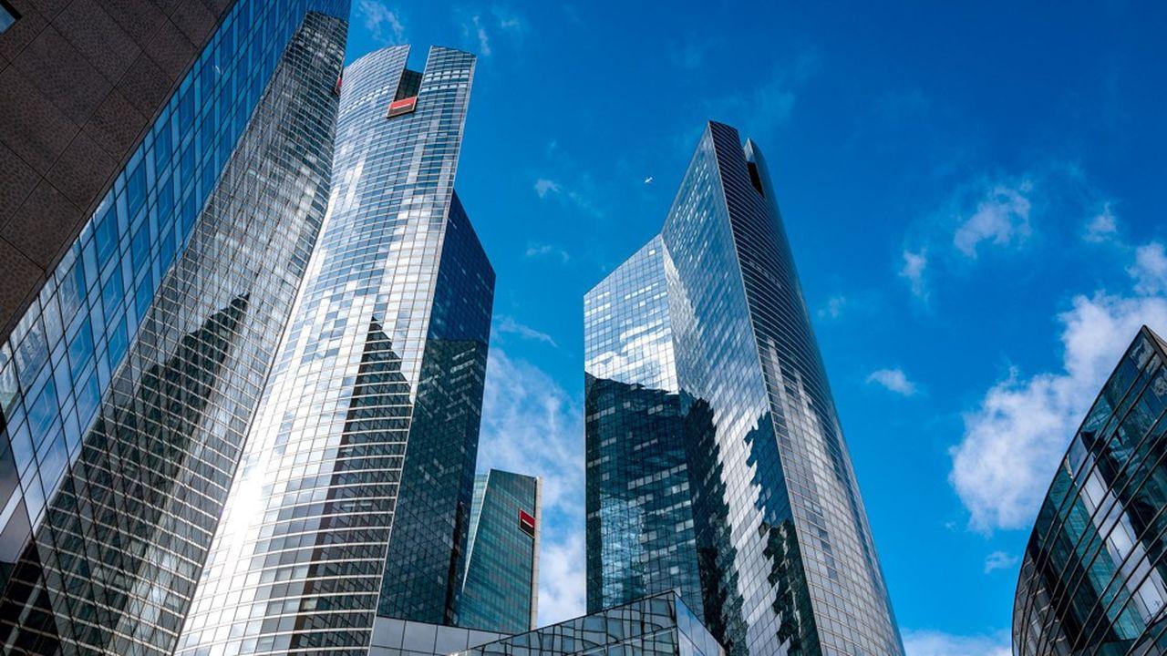 Plutôt que d'organiser une réunion avec quelques cadres dirigeants dans une des salles de son siège de La Défense, la banque au carré rouge et noir a fait le pari de la coconstruction.