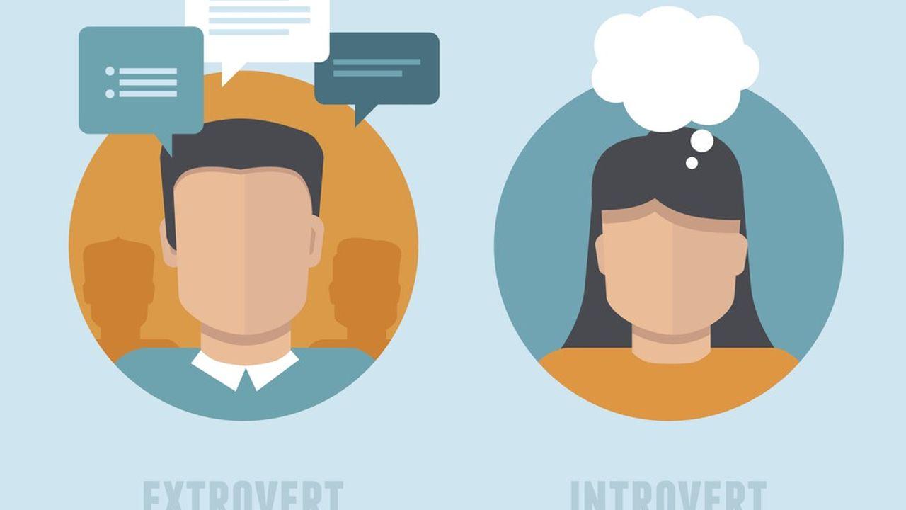 Schématiquement, les extravertis parlent beaucoup, les introvertis préfèrent penser