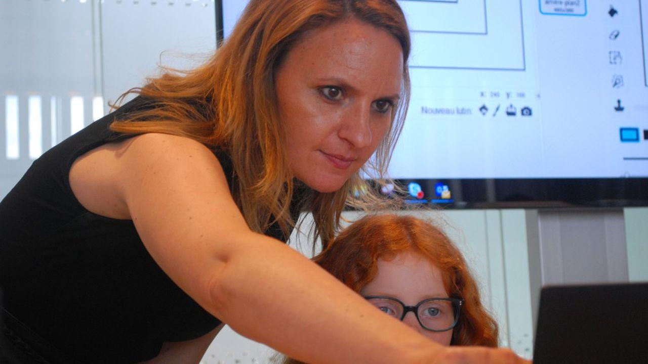Yaël Jacquey-Dehaesea créé IT4Girls, pour accompagner les petites filles et les femmes sur la voie du code.