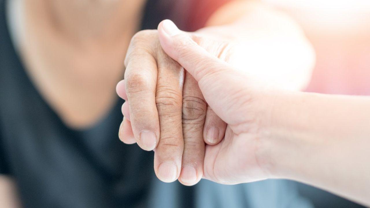 Aider un proche dépendant en menant une vie professionnelle accomplie est le défi de près de 5millions de Français (Journée nationale des aidants du dimanche 6 octobre 2019).