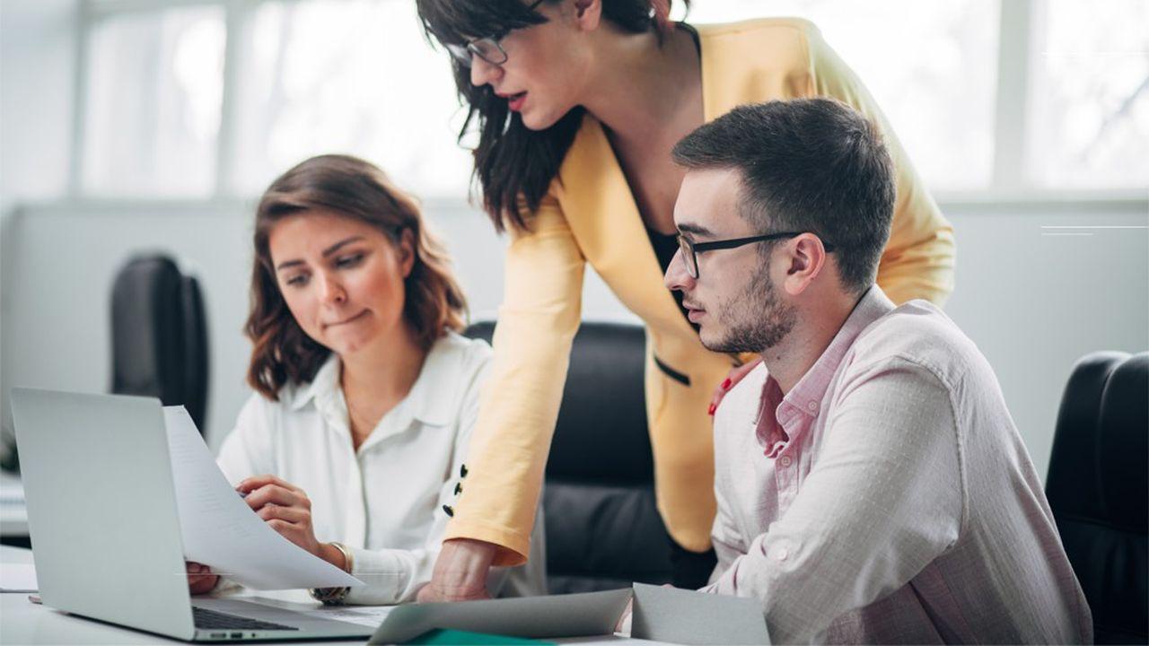 7 cadres sur 10 se jugent « bons » ou « très bons » managers, alors qu'un peu plus de 3 collaborateurs sur 10 partagent cet avis, selon Cadreo.