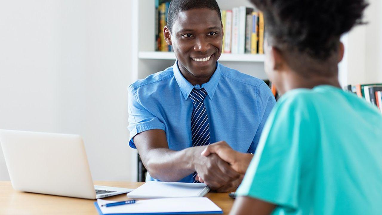 Le recrutement local se vérifie désormais à tous les échelons hiérarchiques des divisions africaines.