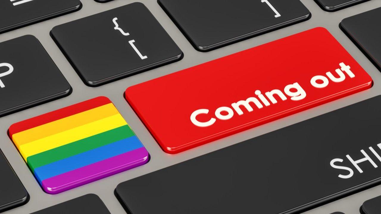 Seulement 44% des jeunes LGBT +ont fait leur coming-out au travail et en sont fiers.