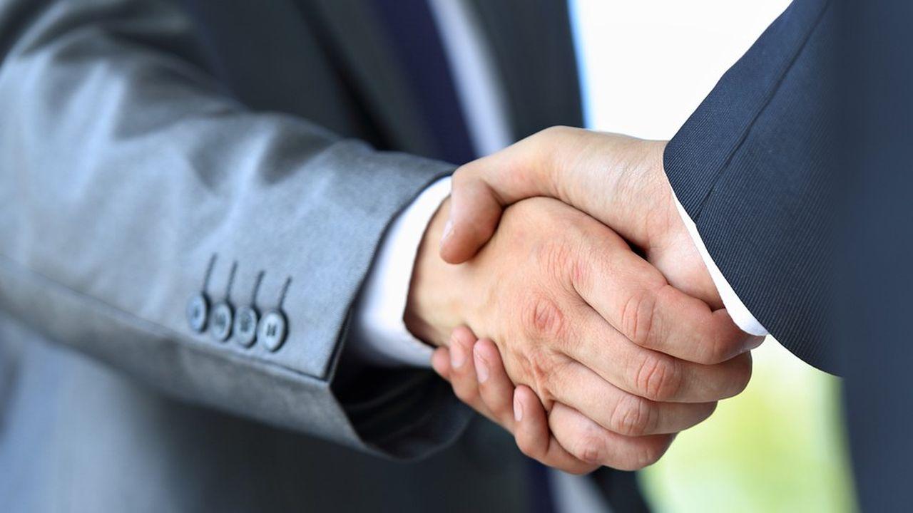Il est légalement obligatoire de conclure un contrat de prestation de services avec son prestataire.
