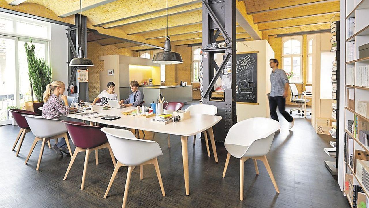 Côté design, la tendance, pour instaurer un climat de bien-être, est d'installer des espaces de travail « comme à la maison ».