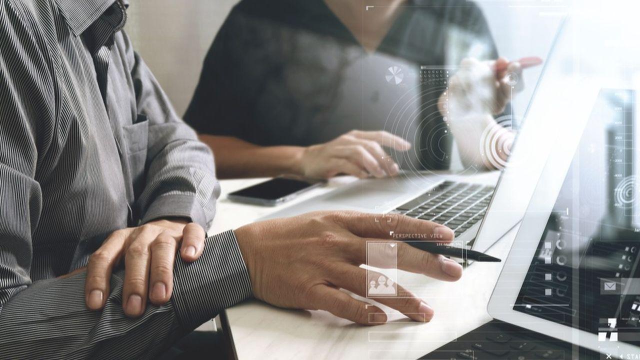 Les entreprises moyennes recherchent des profils de quadragénaires, avec une expérience d'e-commerce, du parcours clients et de l'offre numérique, et surtout, capables de travailler avec tous les départements de l'entreprise, de la direction générale à la logistique, du marketing à la finance.