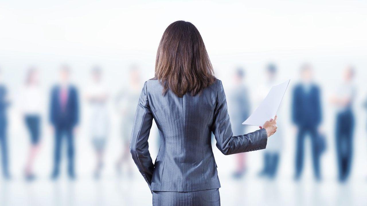 Dans les comités exécutifs et de direction, hauts lieux de pouvoir en entreprise, le taux de féminisation atteint péniblement 14,7% dans le CAC 40, et 15,3% à l'échelle du SBF 120.