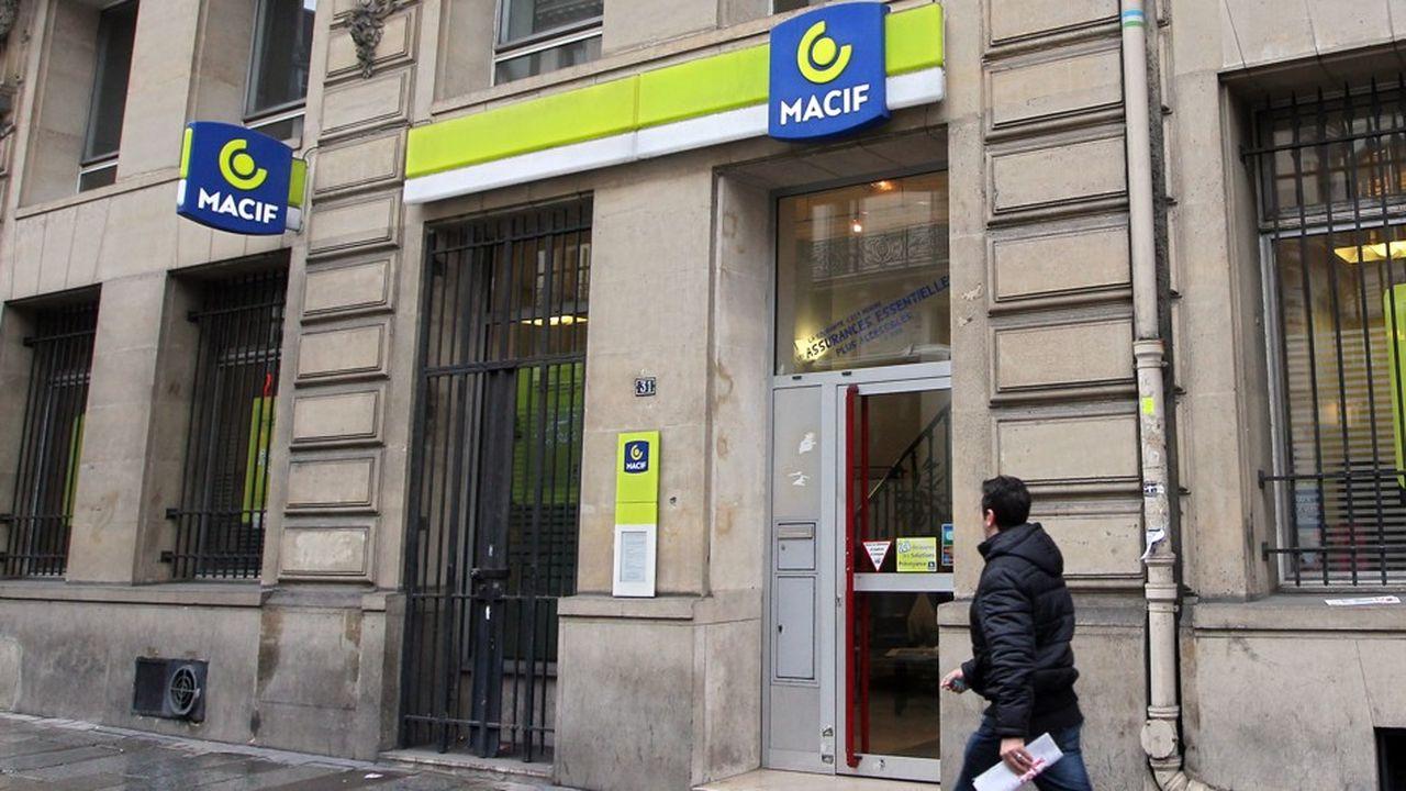 Une agence de la MACIF à Paris. Il fallait améliorer l'amplitude horaire des agences et des services téléphoniques de la mutuelle pour les adapter aux besoins des consommateurs.