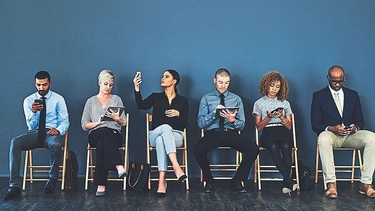 Les entreprises observent le comportement des consultants et chasseurs de tête, leur sens de l'écoute, leur maîtrise des techniques prédictives, la manière dont ils traitent leurs clients, mais aussi les candidats et les simples prospects.
