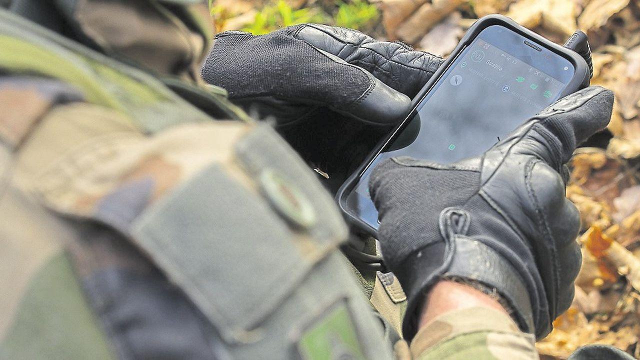 Le concept Auxylium est un nouveau système de communication et de transmissionvise qui vise à fédérer les nouvelles technologies mobiles au service des forces de Défense, de sécurité et de secours.