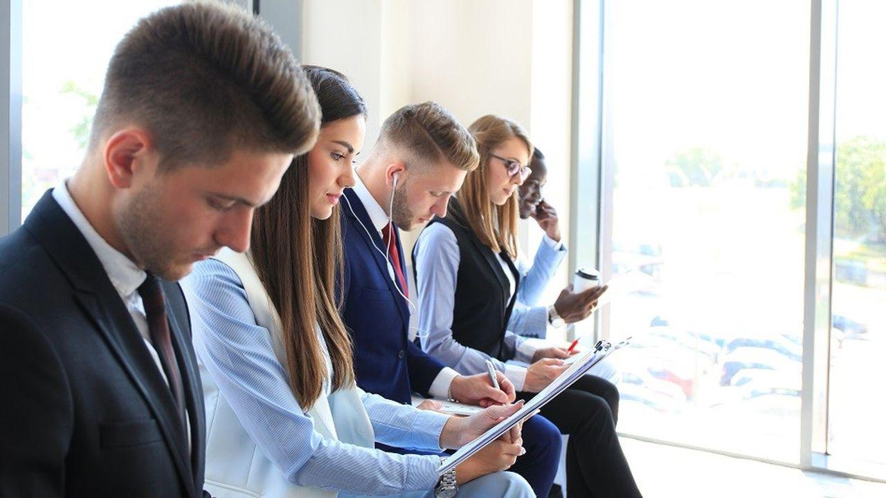 L'objectif des recruteurs, lorsqu'ils font des recherches en ligne sur les candidats, est d'abord de vérifier les informations figurant sur le CV ou concernant leurs personnalité et centres d'intérêt.